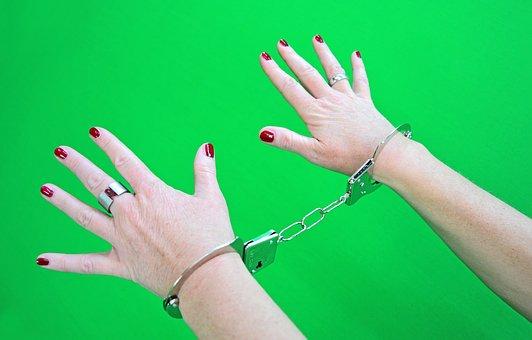handcuffs-1694608__340